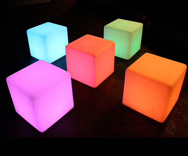 5 glow cubes