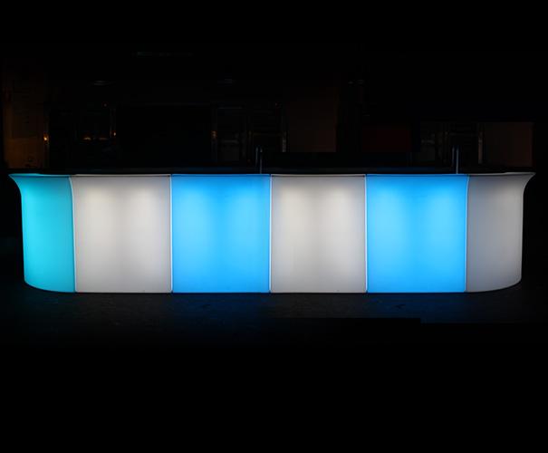 6 glow drinks servign barF